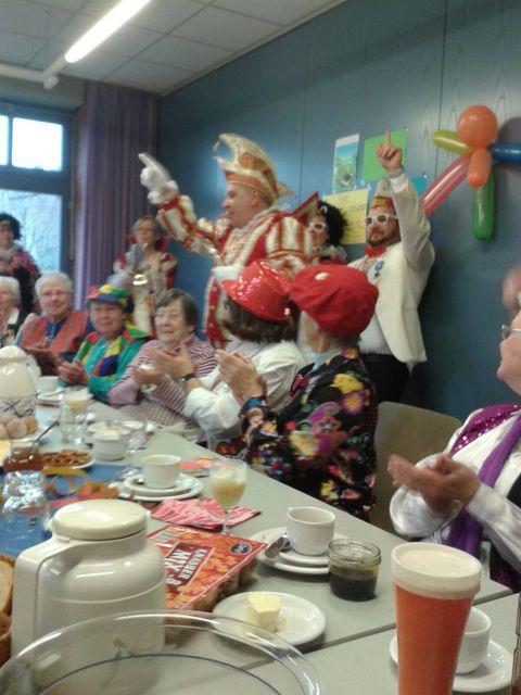 Karnevalistisches Seniorenfrühstück